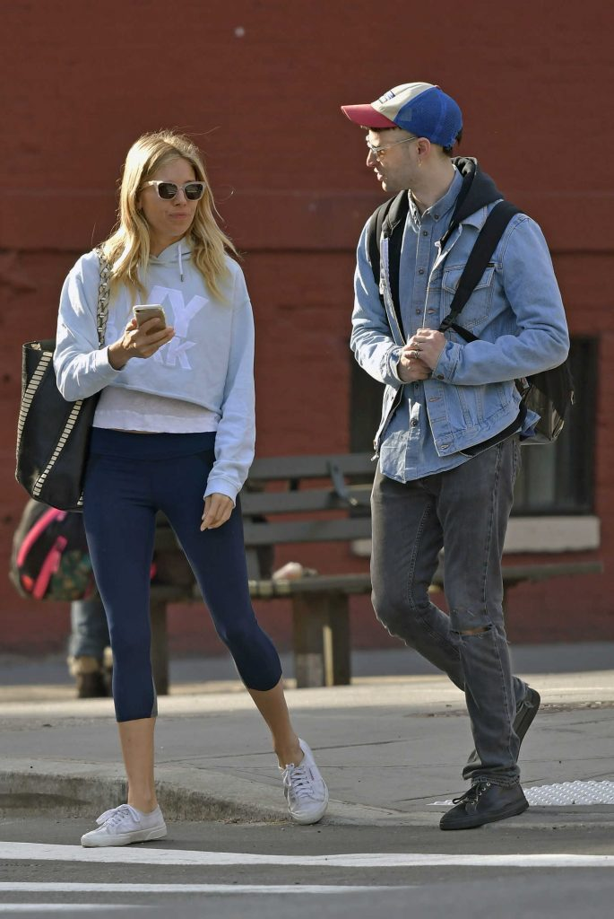 Sienna Miller Was Seen With Her Ex-Fiance Tom Sturridge Out in New York City-3