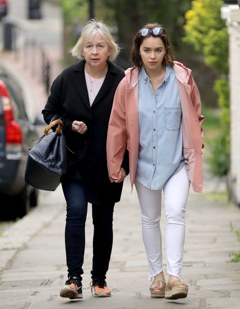 Emilia Clarke Was Spotted With Her Mother Jennifer Clarke in London-1