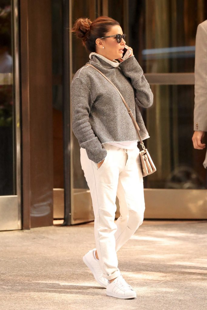 Eva Longoria Leaves Her Hotel in New York-2