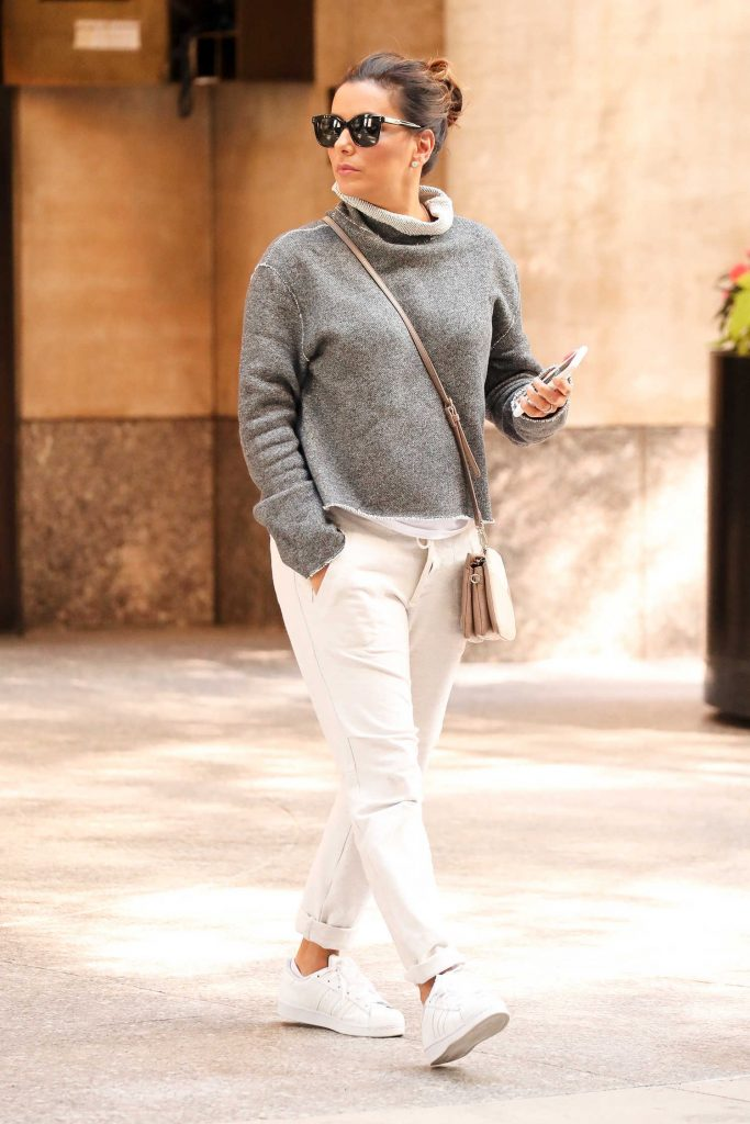 Eva Longoria Leaves Her Hotel in New York-3