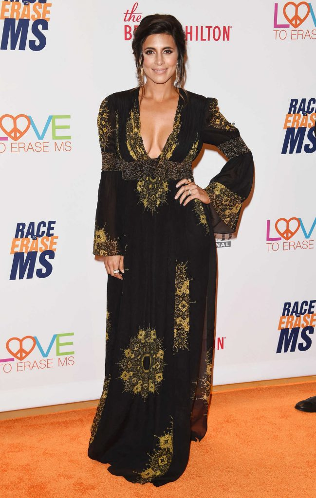 Jamie-Lynn Sigler at the Race to Erase MS Gala in Beverly Hills-2
