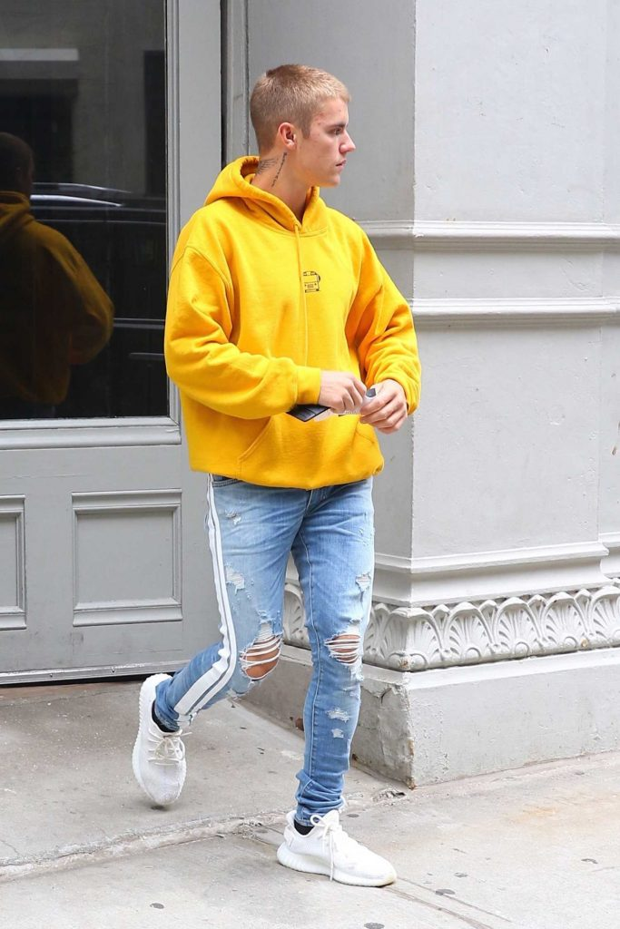 Justin Bieber Leaves His NYC Hotel-2