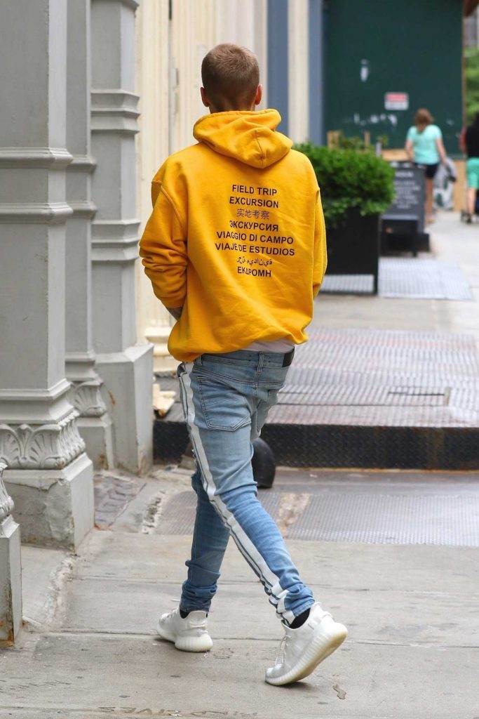 Justin Bieber Leaves His NYC Hotel-3