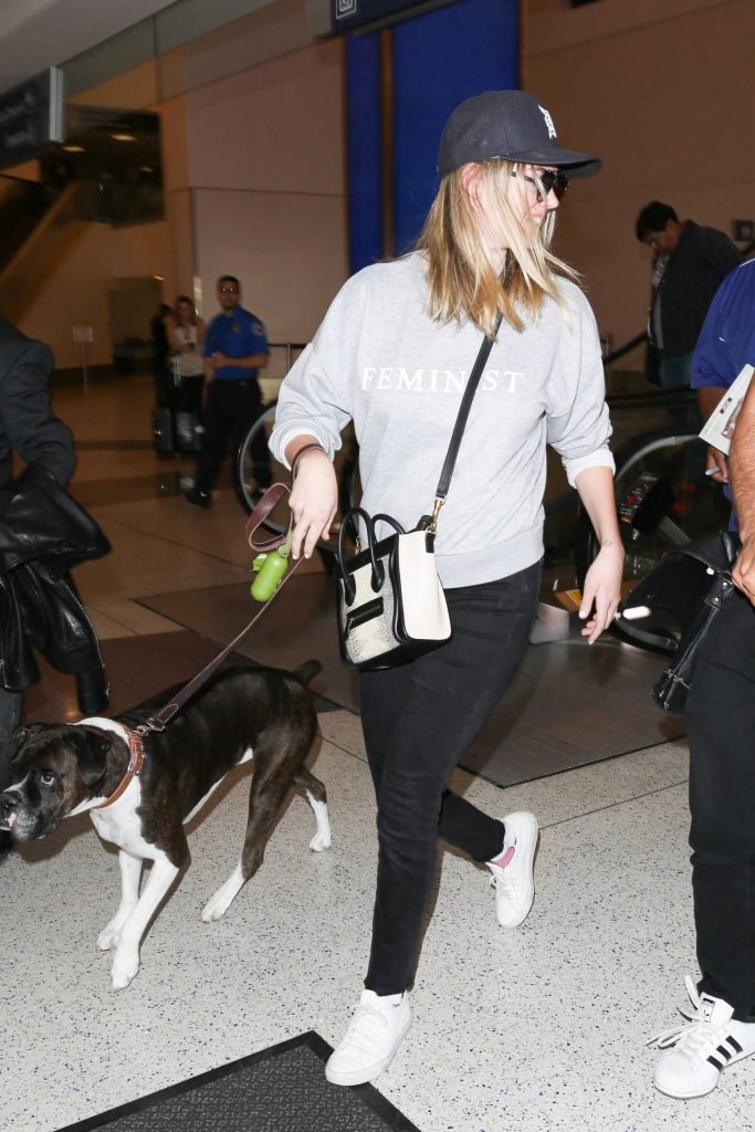 Kate Upton at the LAX Airport in Los Angeles-3