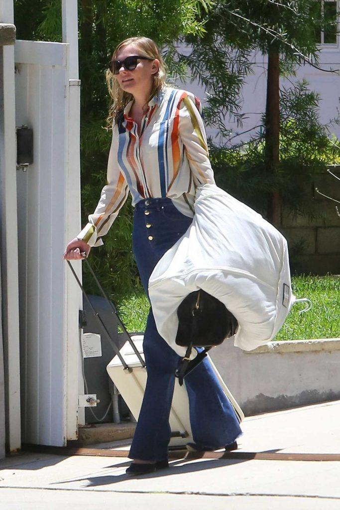 Kirsten Dunst Leaves Her Home in Los Angeles-2