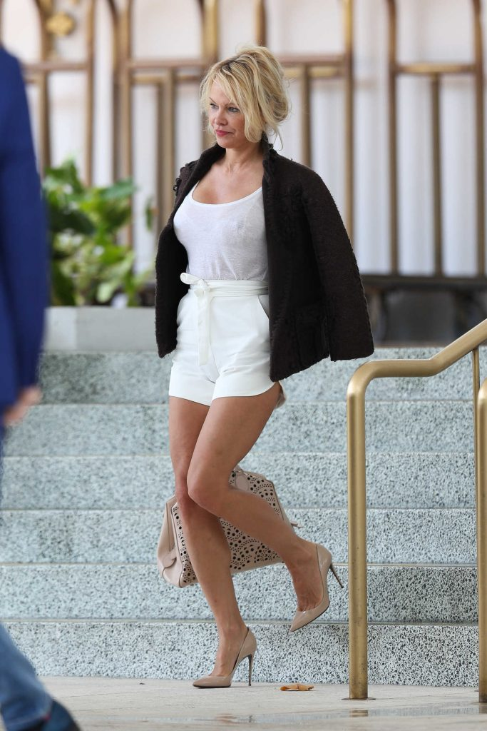 Pamela Anderson Leaves Her Hotel in Miami-2