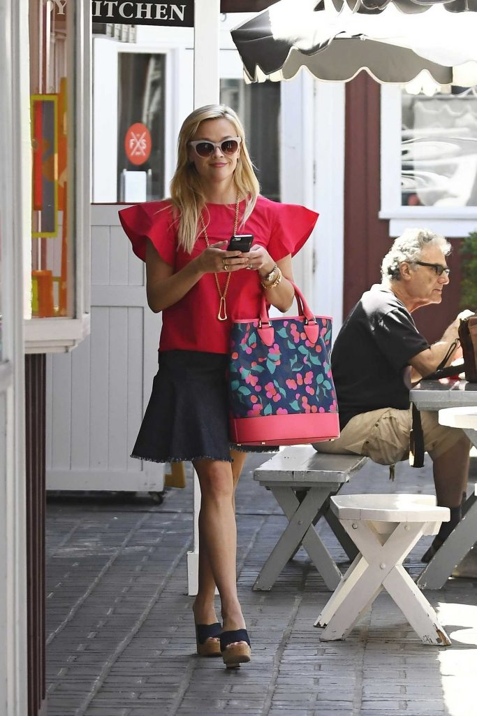 Reese Witherspoon Wears a Pink Blouse Out in Los Angeles-1