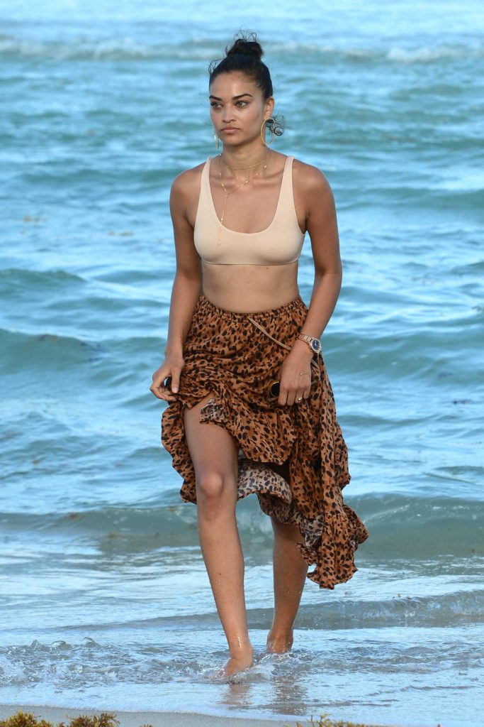 Shanina Shaik at the Beach in Miami-1