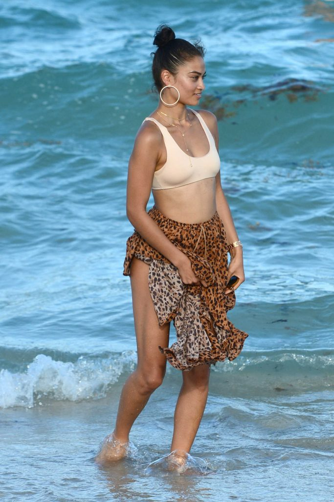Shanina Shaik at the Beach in Miami-3