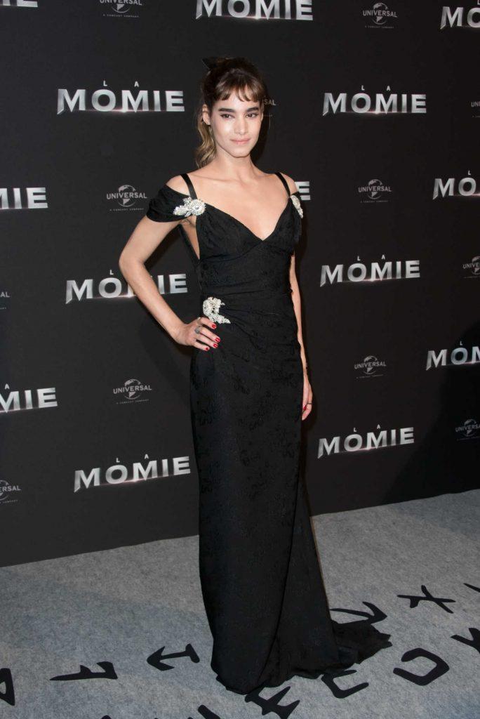 Sofia Boutella at The Mummy Premiere in Paris-2