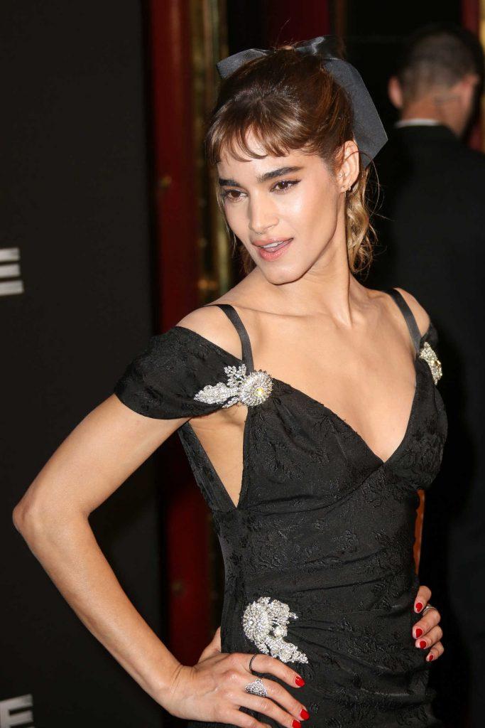 Sofia Boutella at The Mummy Premiere in Paris-4