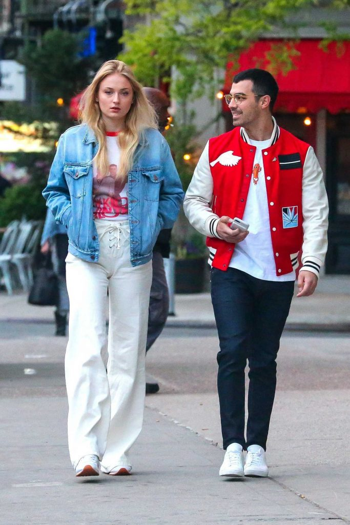 Sophie Turner Was Spotted With Joe Jonas in Downtown Manhatan-1
