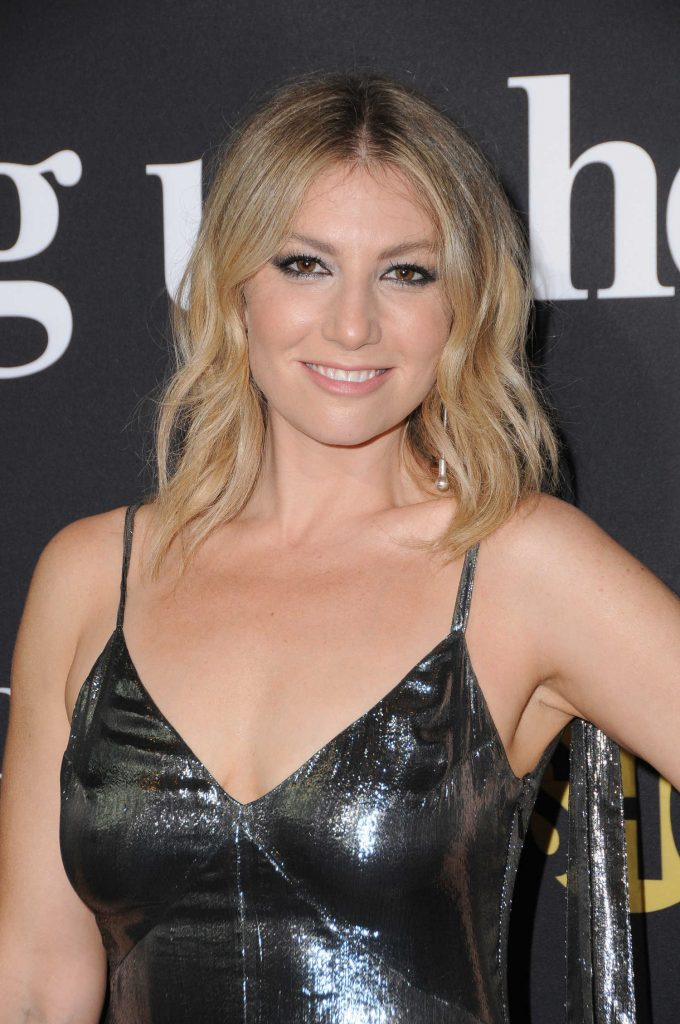 Ari Graynor at I'm Dying up Here Premiere in Los Angeles-5