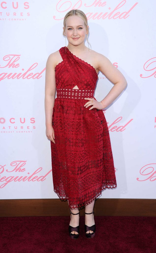 Emma Howard at The Beguiled Premiere in Los Angeles-1