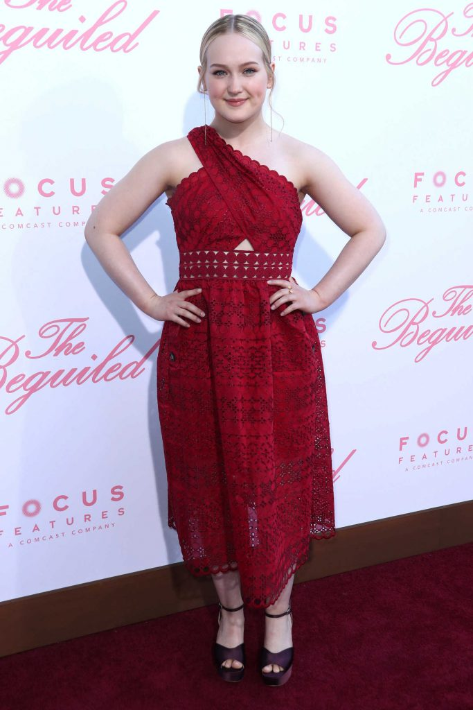Emma Howard at The Beguiled Premiere in Los Angeles-2