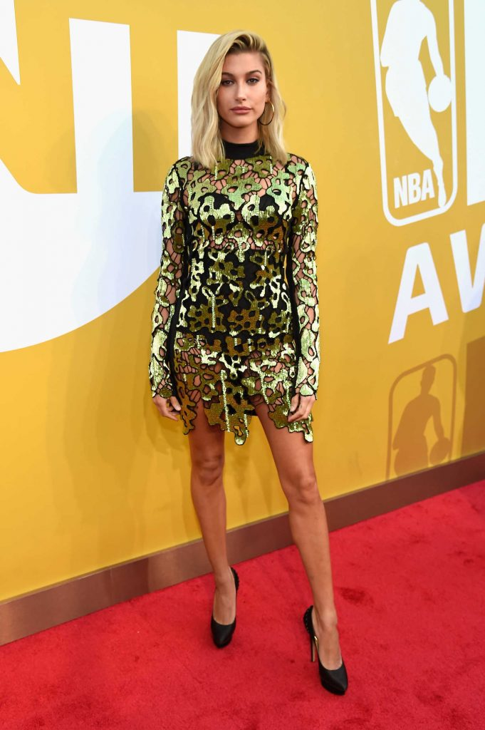 Hailey Baldwin Attends the 2017 NBA Awards Live on TNT in New York-1