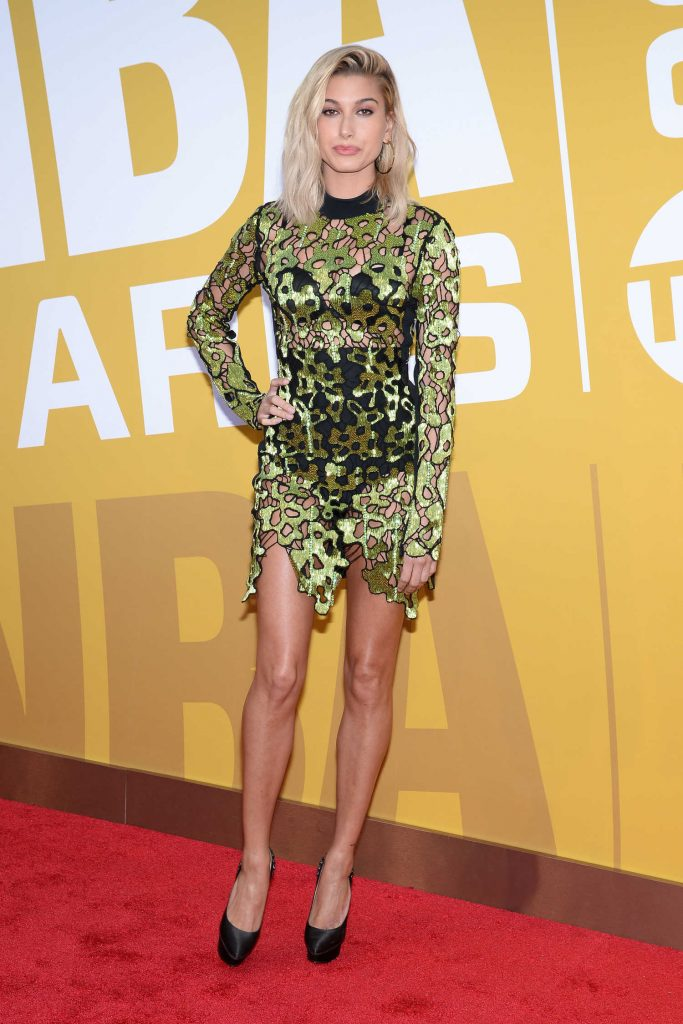 Hailey Baldwin Attends the 2017 NBA Awards Live on TNT in New York-3