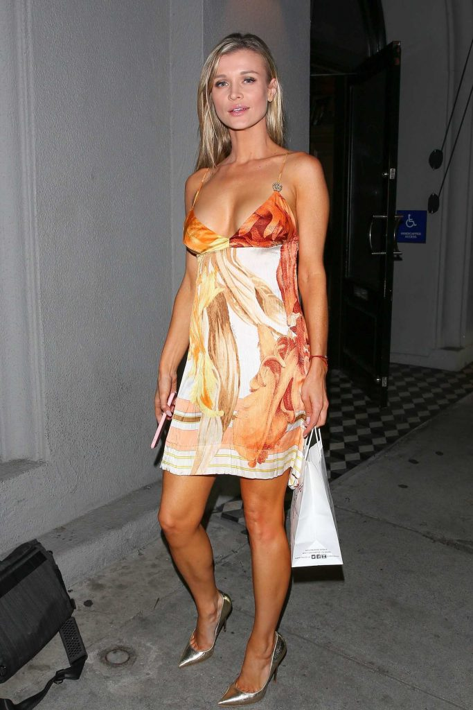 Joanna Krupa Leaves the Craig's Restaurant in West Hollywood-3