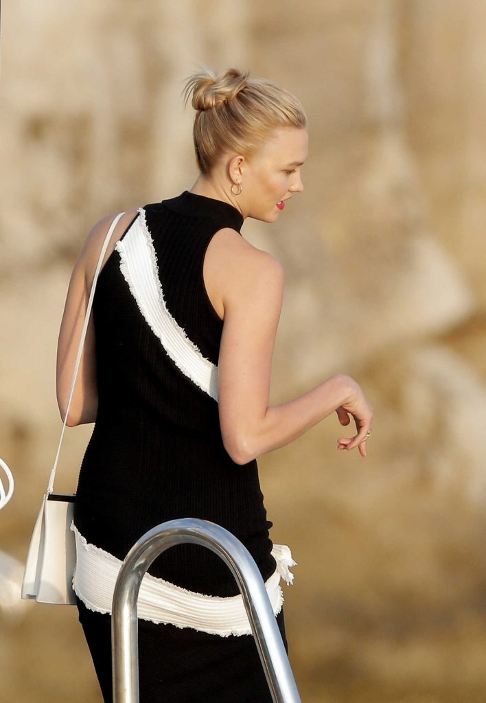 Karlie Kloss Wears a Black and White Dress in Cannes-3