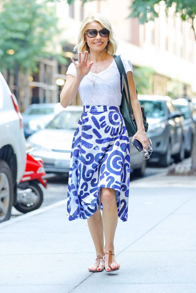 Kelly Ripa Arrives at the Lincoln Center in New York City-4