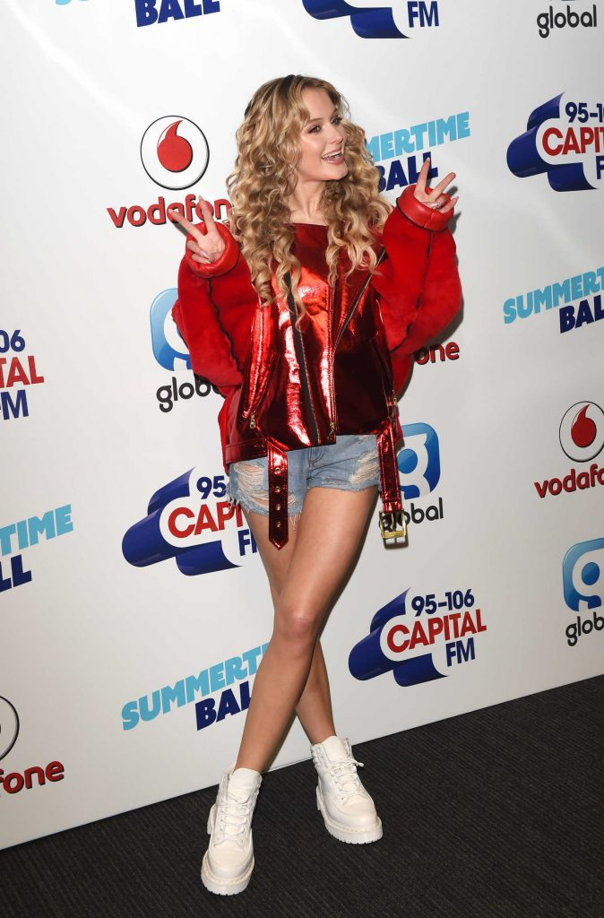 Zara Larsson Attends the Capital's Summertime Ball at Wembley Stadium in London-2