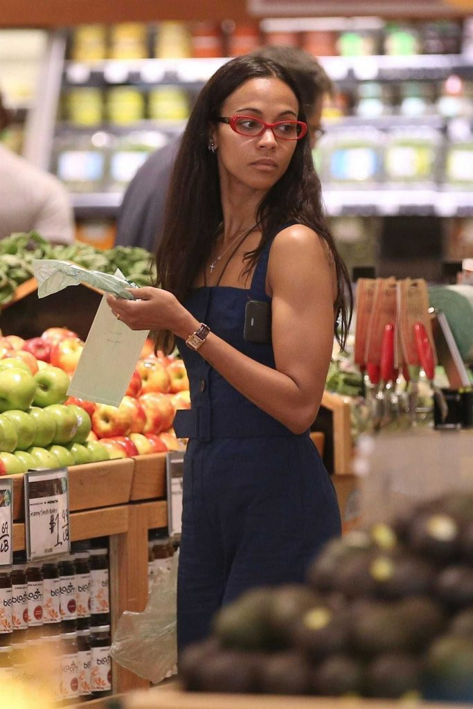 Zoe Saldana Goes Shopping at Whole Foods in Beverly Hills-3