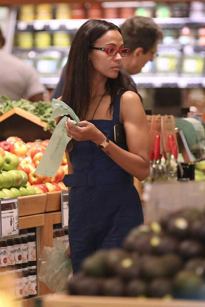 Zoe Saldana Goes Shopping at Whole Foods in Beverly Hills-5