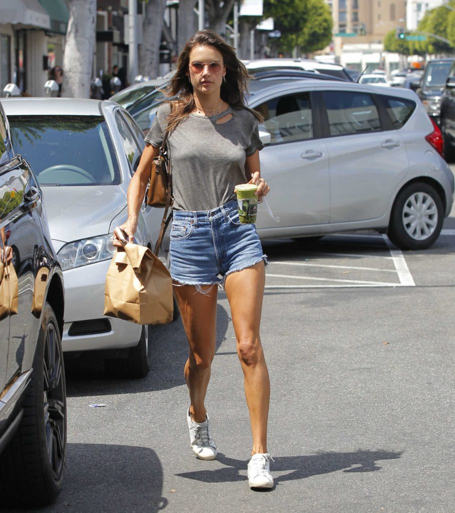 Alessandra Ambrosio Leaves Earth Cafe in Beverly Hills-2