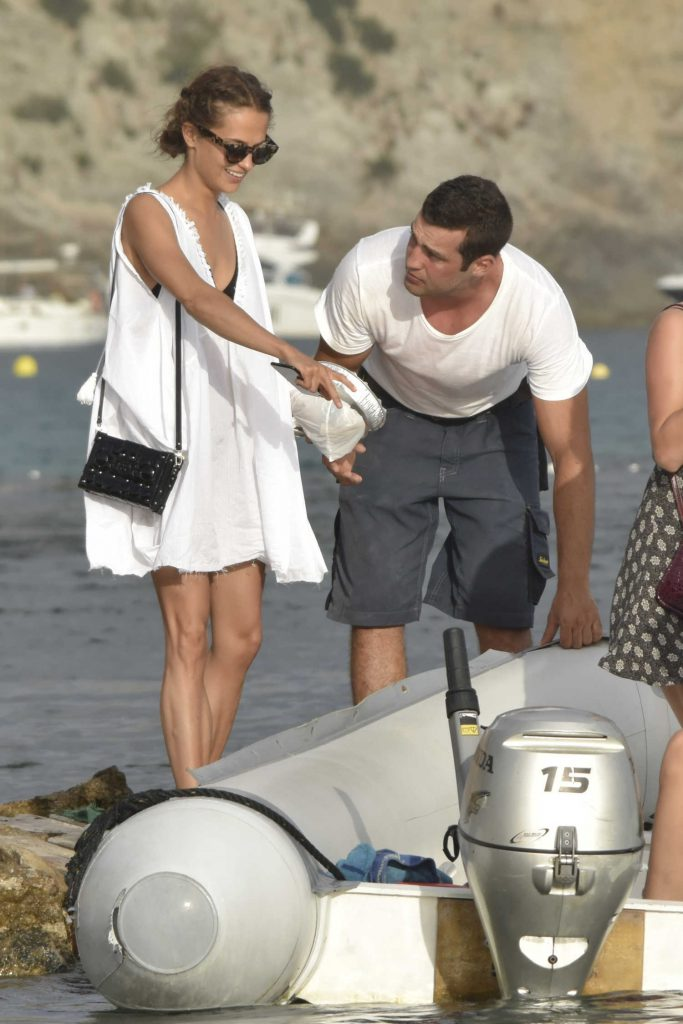 Alicia Vikander Arrives at a Private Yacht in Ibiza-5