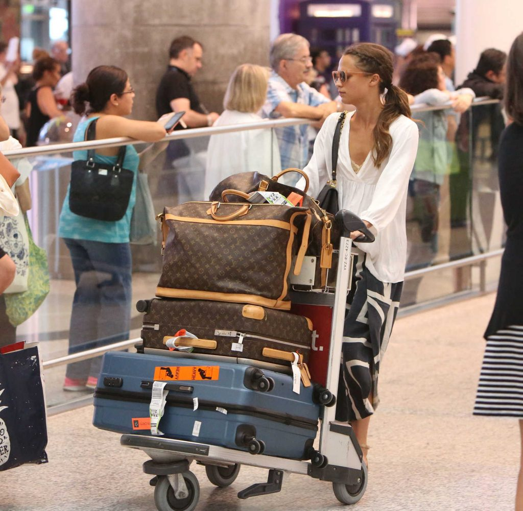 Alicia Vikander Arrives at the Toronto Airport-1