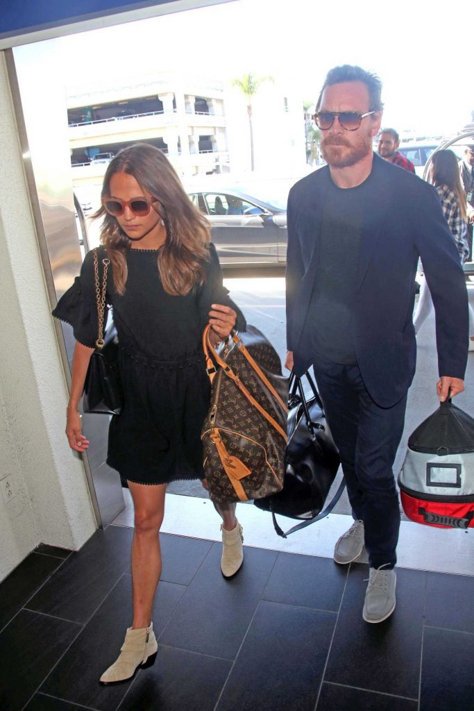 Alicia Vikander Was Seen at LAX Airport in LA With Michael Fassbender-5