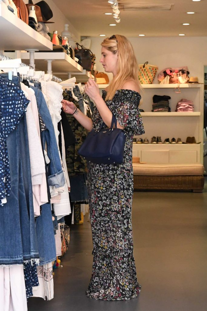 Ashley Greene Out for Shopping in Beverly Hills-4