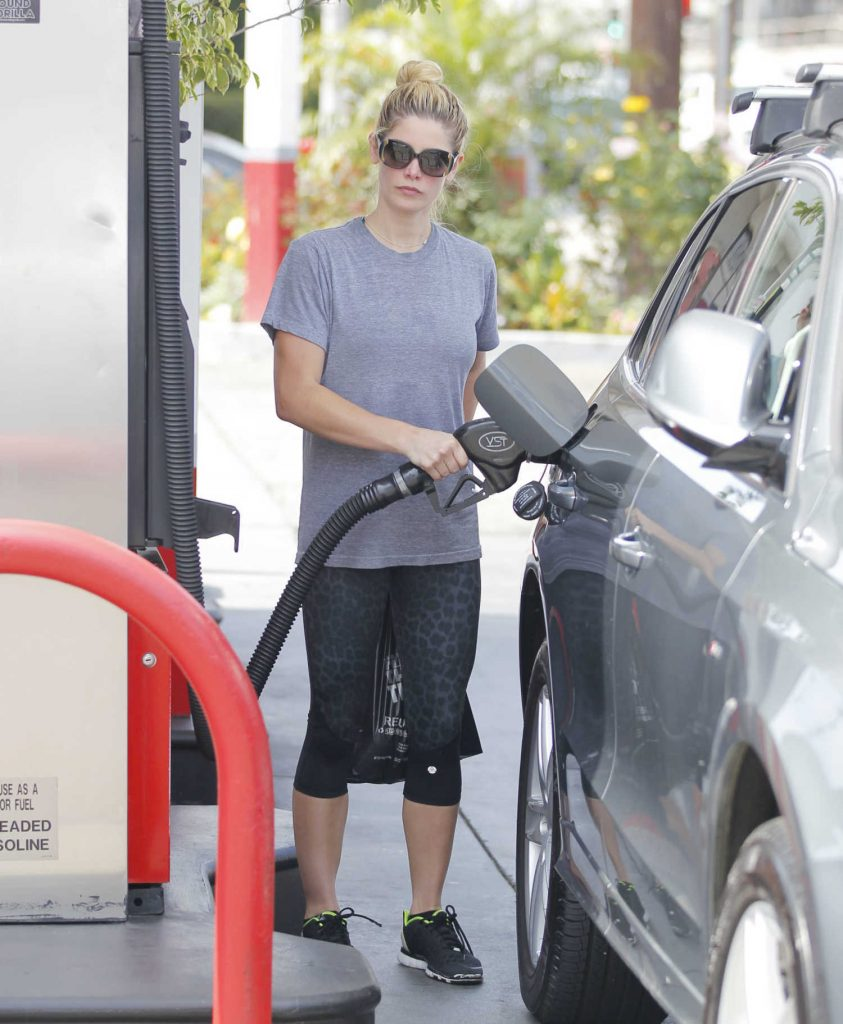 Ashley Greene Was Seen at the Gas Station in West Hollywood-1