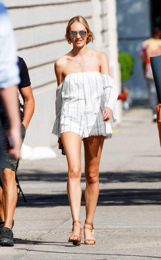 Candice Swanepoel Goes to Brunch in New York With Hermann Nicoli-1