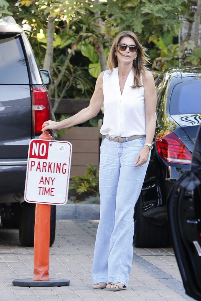 Cindy Crawford Leaves Cafe Habana in Malibu-1