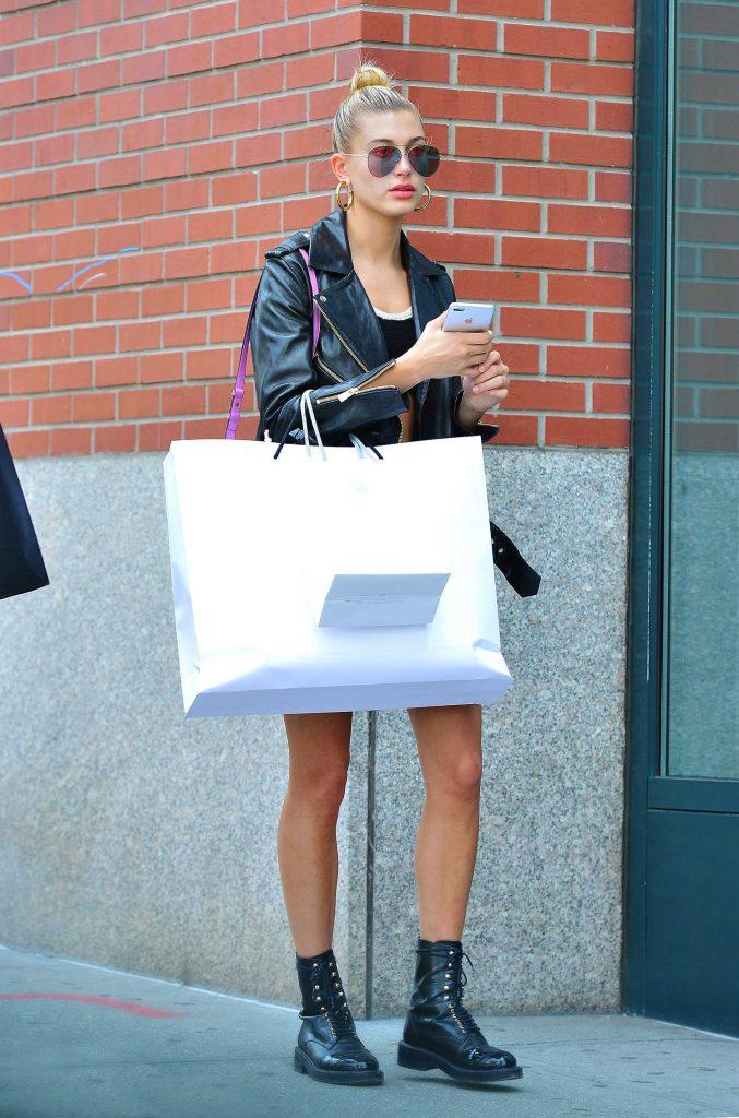 Hailey Baldwin Goes Shopping in SoHo, NY-1