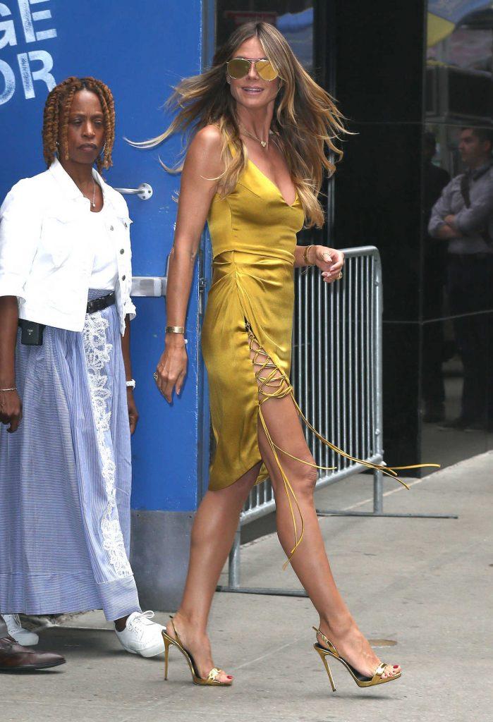 Good Morning America New York : Heidi klum leaves good morning america in new york city