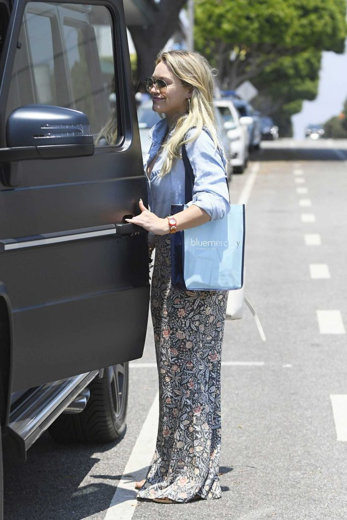 Hilary Duff Leaves a Spa in Santa Monica-4