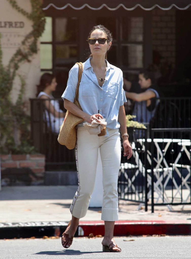 Jordana Brewster Was Seen Out in Los Angeles-2