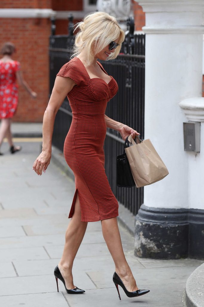 Pamela Anderson Was Seen Out in London-4