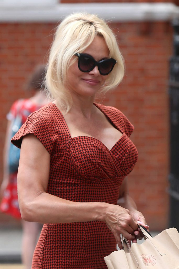 Pamela Anderson Was Seen Out in London-5