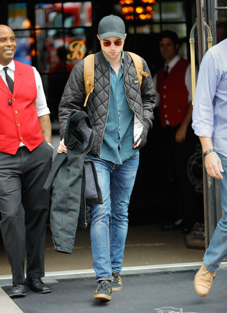 Robert Pattinson Leaves His Hotel in New York City-2