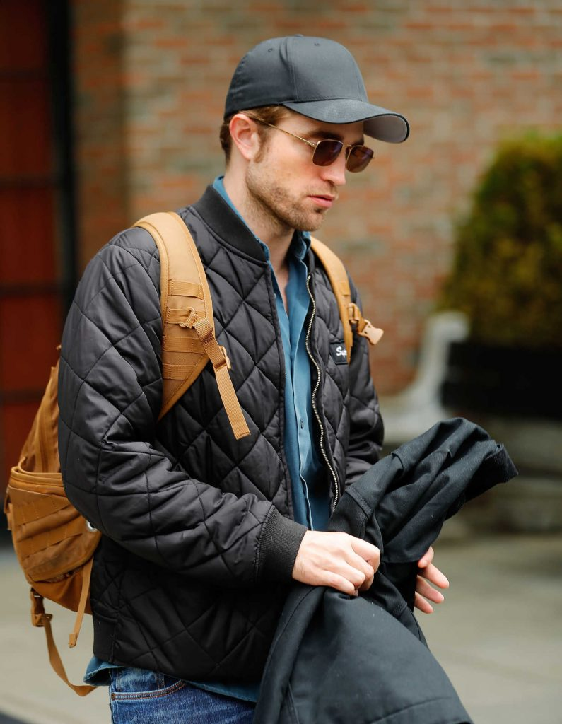 Robert Pattinson Leaves His Hotel in New York City-4