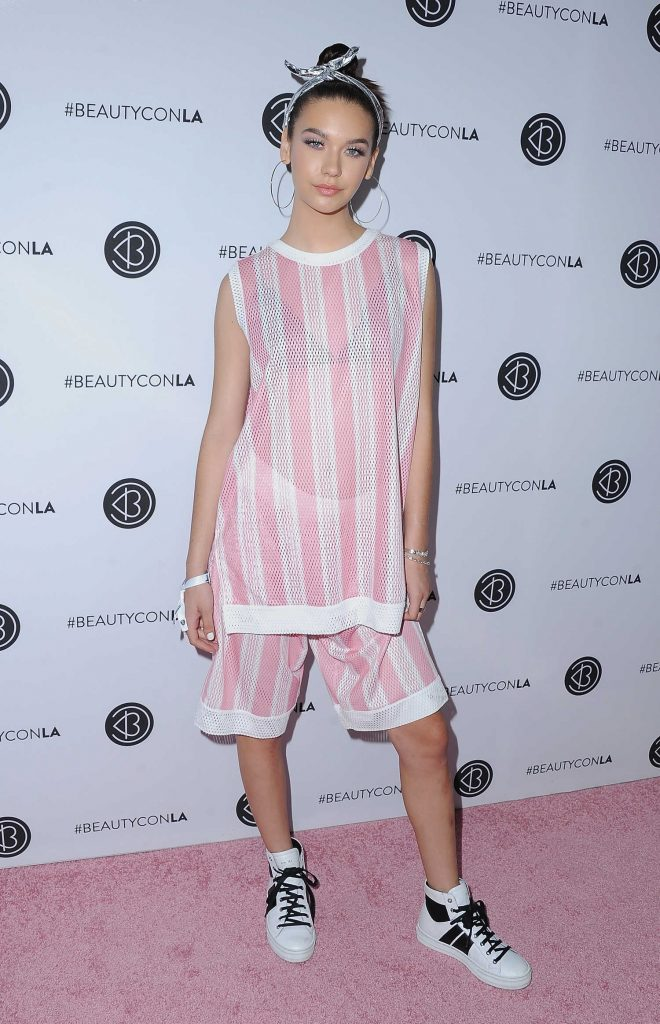Amanda Steele at the 5th Annual BeautyCon Festival Los Angeles-1