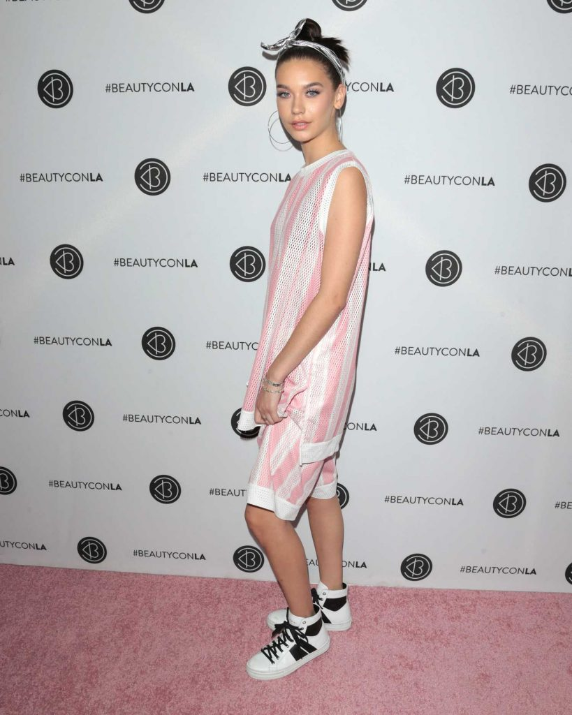 Amanda Steele at the 5th Annual BeautyCon Festival Los Angeles-3