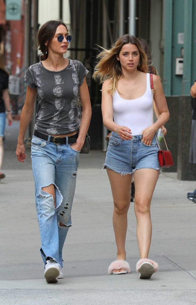 Ana De Armas Was Seen Out in Manhattan-4