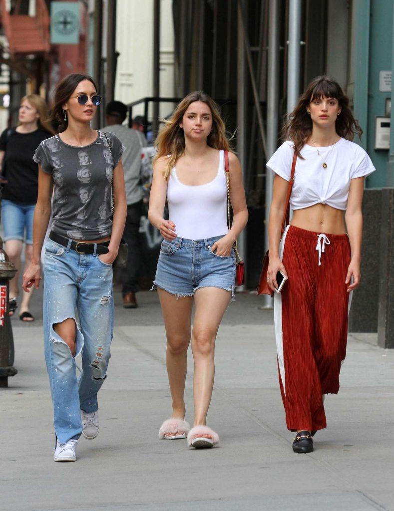 Ana De Armas Was Seen Out in Manhattan-5