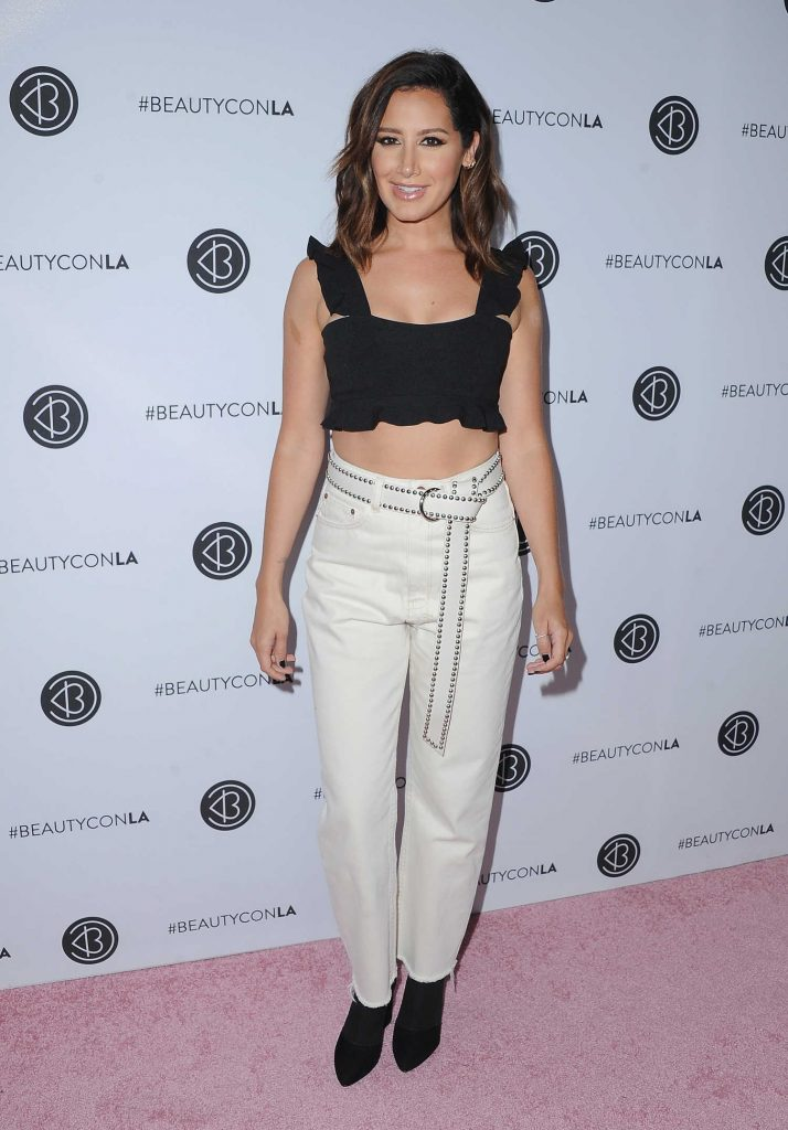 Ashley Tisdale at the 5th Annual BeautyCon Festival Los Angeles-2