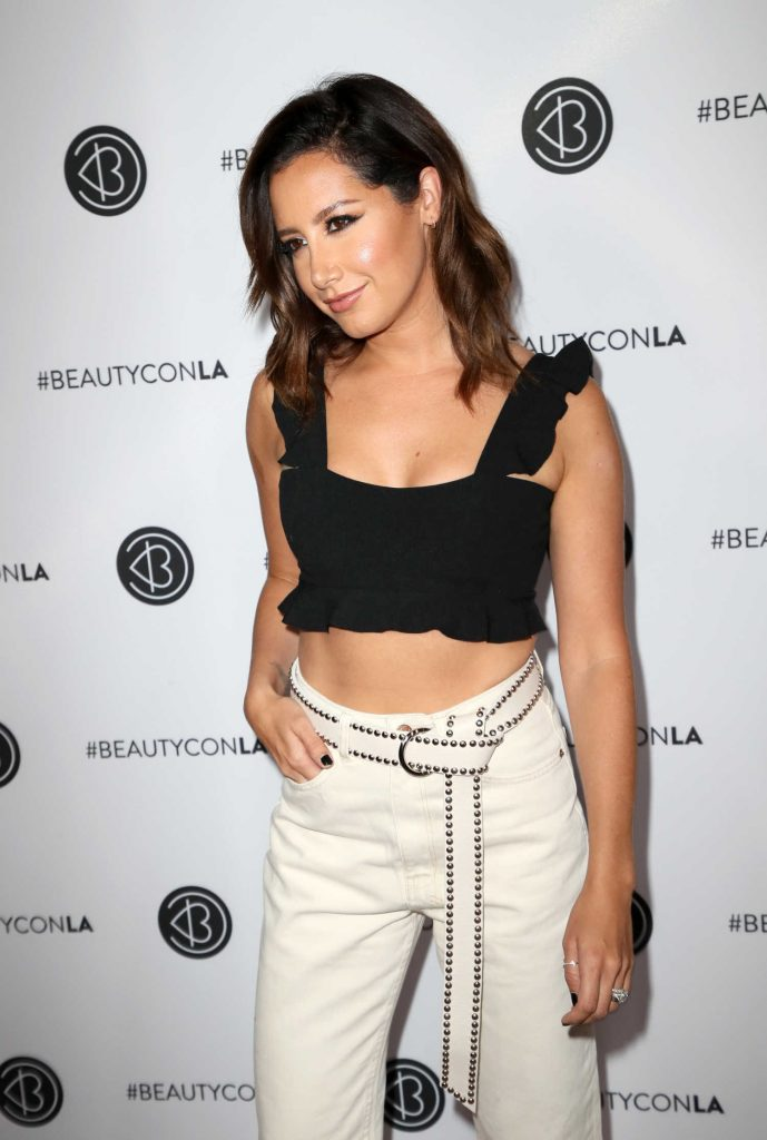 Ashley Tisdale at the 5th Annual BeautyCon Festival Los Angeles-4
