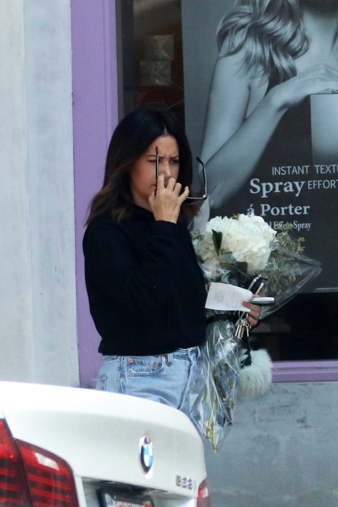 Ashley Tisdale Goes Shopping for Flowers With Her Mom in LA-1